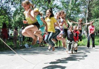 Подвижные спортивные игры Товарный блог Подвижные и спортивные игры в бассейне для детей
