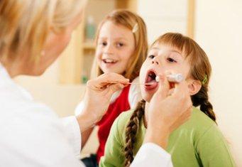 Как лечить воспаление горла у детей