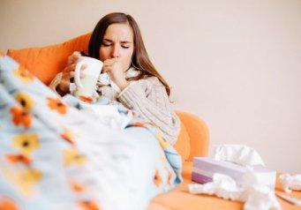 Красные точки в горле у ребенка и болит горло