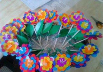 Цветок из трубочек для коктейля своими руками 828