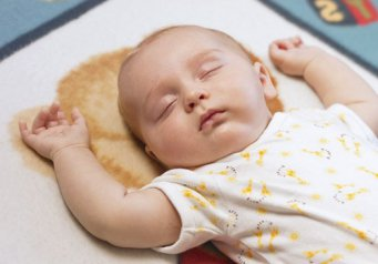 Режим дня и питание ребенка в месяца